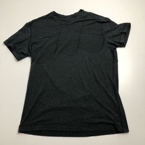 Lululemon Men's Large Grey T-shirt